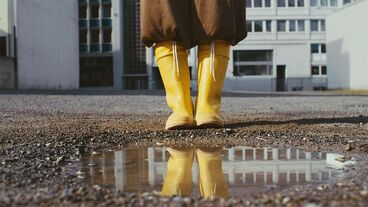 P_3989_approaching_the_puddle_03.jpg